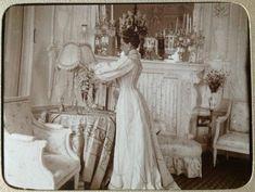 Princess Zenaida Youssoupoff at her dacha in Tsarskoye Selo. Vintage Photographs, Vintage Photos, Vintage Portrait, Familia Romanov, Romantic Pictures, Imperial Russia, Edwardian Era, Victorian, Royals
