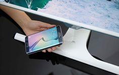 Tecnoneo: Samsung anuncia el primer monitor del mundo con cargador inalámbrico Qi