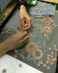 #embroidery #embroiderysequin #sequin #sequins #beads #crystals #needlework #embroideryhoop #hautecouture #handmade #handwork #maketoorder #couture#vscohandmade #wedding #weddingembroidery #модно #вышивка #вышивкаручнойработы #ручнаяработа #назаказ #ручнаявышивка #украшение #аксессуар #расшитаяодежда #вышивканаодежде #объемнаявышивка