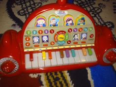 Little einstiens piano. Light up keys teach