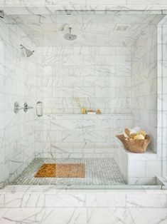 To reveal the quality of each of your favorite bathroom shower tile designs. This awesome bathroom shower tile designs contain 13 fantastic design. Bad Inspiration, Bathroom Inspiration, Dream Bathrooms, Beautiful Bathrooms, Marble Bathrooms, White Bathroom, Classic Bathroom, Cozy Bathroom, Modern Bathroom