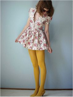 Where can I get yellow tights that LOOK this yellow? Orange Tights, Colored Tights Outfit, White Tights, Yellow Leggings, Pantyhose Outfits, Nylons, Fashion Tights, Skirt Fashion, Mellow Yellow