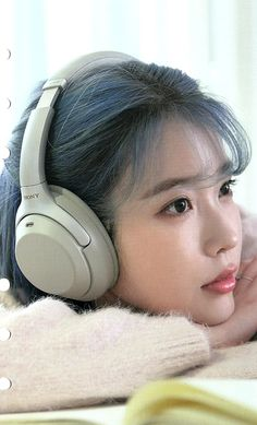 You are in the right place about korean beauty routine Here we offer you the most beautiful pictures Beauty Ad, Cute Beauty, Beauty Trends, Korean Beauty Routine, Beauty Routines, Korean Actresses, Asian Actors, Korean Actors, Girl With Headphones