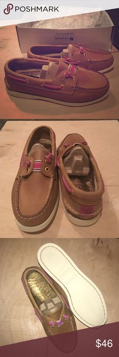 🆕 Sperry Top Sider Lexington Brand new, never worn in box. Comes with Sperry brand cleaner and conditioner. Shoe box does not have lid but again BRAND NEW, NEVER WORN. Sperry Top-Sider Shoes Flats & Loafers