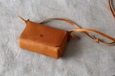 Belt Pouch, Leather Art, Leather Shoulder Bag, Shoulder Bags, Leather Working, Women, Shoes, Sewing, Photography