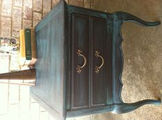 Craigslist end table redo.  Used Cecelia Caldwell in Beckley Coal with ASCp in Florence as a wash.  So lovely