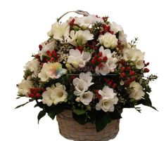 cosuri cu flori din frezii si hiperycum Floral Wreath, Wreaths, Luxury, Collection, Home Decor, Floral Crown, Decoration Home, Door Wreaths, Room Decor