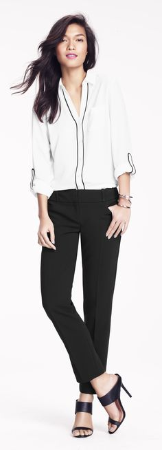 Love the blouse and pants Clean Slate, Classic Style, My Style, Office Style, Office Fashion, Clean Lines, What To Wear, Fashion Beauty, Feminine
