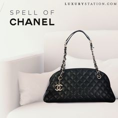 LUXURYSTATION represent you pre-loved signature Chanel Mademoiselle Bowling black bag of all your dreams. Buy it, your luxury desire fulfill with this bag.