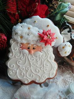 19 Ideas For Painting Christmas Cookies Decorating Ideas Santa Cookies, Christmas Sugar Cookies, Iced Cookies, Christmas Sweets, Cute Cookies, Noel Christmas, Royal Icing Cookies, Cookies Et Biscuits, Holiday Cookies