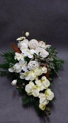 Biała wiązanka Indoor Orchids, Grave Decorations, Funeral, Christmas Wreaths, Floral Wreath, Creations, Holiday Decor, Home Decor, Large Flower Arrangements