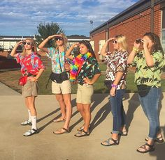Tacky tourist day for homecoming week