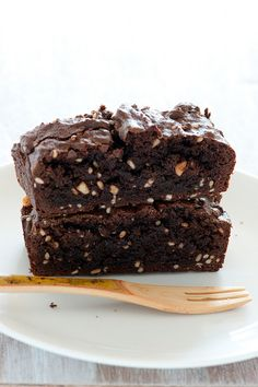 quick, 5 ingredient peanut butter brownies.  Dairy and gluten free