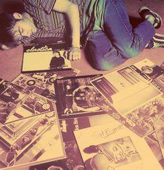 Damon Albarn of Blur (& Gorillaz)  bet he broke that Elastica LP into a mil pieces haaa