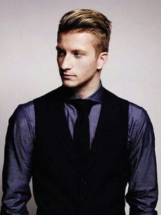 Reus with his suite and chicken hair style ♡ so hot! !