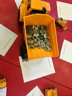 hands-on creative phonics games Guided Reading Activities, Phonics Reading, Teaching Phonics, Phonics Activities, Phonics Games Year 1, Learning Activities, Phonics Display, Eyfs Classroom, Classroom Ideas