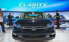2018 Honda Clarity electric - Photo Gallery | Car and Driver