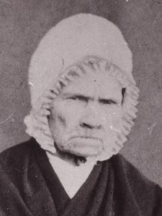 Johanna Magdalena Mare, sister of Andries Pretorius Family Research, Call Of The Wild, Genealogy Research, Family Crest, African History, Cute Images, Country Of Origin, Old Women, Family History