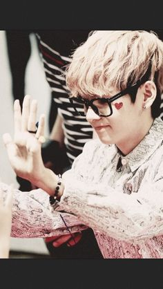 Taehyung. New ultimate bias. I seriously...just...He is so amazing. Out of this world, he makes me so happy and bubbly!