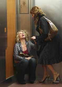 Still of Christina Applegate and Jennifer Esposito in Samantha Who? (2007) Jennifer Esposito, Christina Applegate, Film Music Books, Picture Photo, Leather Skirt, Hair, Fashion, Movies, Theater