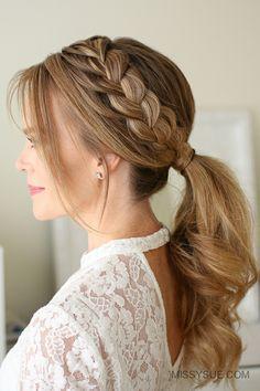 Pferdeschwanz und Zopfkranz, schicke Frisur für jeden Tag, dunkelblonde lange Haare, weiße Spitzenbluse