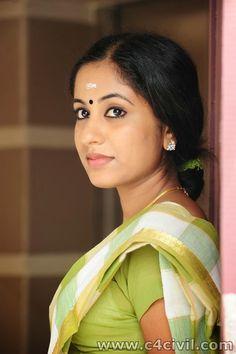 Jyothi Krishna in Saree Photos Collection PART 1 ( 5 Photos ) http://www.c4civil.com/2014/10/jyothi-krishna-in-saree-photos.html Jyothi Krishna Malayalam actress in Saree