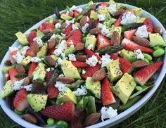 Asparges/avokado/jordbær Raw Food Recipes, Salad Recipes, Vegetarian Recipes, Healthy Recipes, Food N, Food And Drink, Healthy Cooking, Healthy Eating, Healthy Food