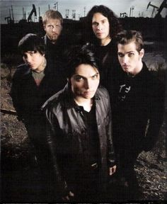 My Chemical Romance--Another Bon Jovi opening act. Good Charlotte, Asking Alexandria, Emo Bands, Music Bands, My Chemical Romance, Veronica Castro, I Love Mcr, Mikey Way, Black Parade