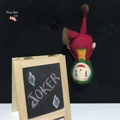 Apostila Digital - Joker no Elo7 | Ateliê Ticia Reis (12B554C) Joker, Christmas Ornaments, Holiday Decor, Collages, Feltro, Atelier, Jokers, Christmas Jewelry, The Joker