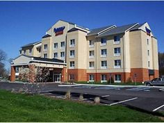 Seymour (IN) Fairfield Inn and Suites by Marriott Seymour United States, North America Ideally located in the prime touristic area of Seymour, Fairfield Inn and Suites by Marriott Seymour promises a relaxing and wonderful visit. The hotel offers a high standard of service and amenities to suit the individual needs of all travelers. All the necessary facilities, including free Wi-Fi in all rooms, family room, are at hand. Television LCD/plasma screen, air conditioning, heating,...