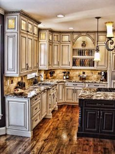 Traditional Antique White Kitchen Cabinets Welcome! This photo gallery has pictures of kitchens featuring cream or antique white kitchen cabinets in traditional styles Farmhouse Kitchen Cabinets, Kitchen Cabinet Design, Kitchen Redo, New Kitchen, Rustic Cabinets, Dark Cabinets, Country Kitchen, Kitchen Rustic, Kitchen Paint