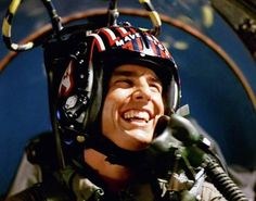 Tom Cruise reveals the title and premise for Top Gun 2 while doing press for The Mummy. Cruise then announced the title: Top Gun: Maverick because all. Top Gun Film, Top Gun Movie, I Movie, Tom Cruise, Kino Box, Kelly Mcgillis, Photo Avion, Tony Scott, Tim Robbins