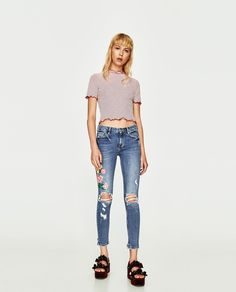 Image 1 of CROPPED EMBROIDERED JEANS from Zara