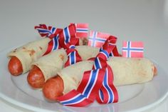 . Norway National Day, Constitution Day, Norwegian Food, Public Holidays, Comfort Foods, Hot Dogs, Eat, Soul Food Meals