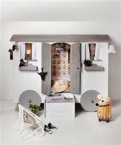 playhouse bed-- would change, but like the idea Ideas Para Decorar Jardines, Playhouse Bed, Indoor Playhouse, Deco Kids, Happy House, Kid Beds, Bunk Beds, Kid Spaces, Kids Decor