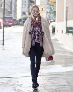 Уличная мода: Стильные образы Оливии Палермо за 2017 год