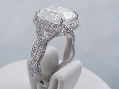 Jewelry Advice And Tips Modern Jewelry, Fine Jewelry, Cushion Cut Diamonds, Jewelry Collection, White Gold, Engagement Rings, Band, Chain, Crystals
