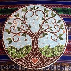 25 Ideas Garden Table Mosaic Projects In order to have a great Modern Garden Decoration, it's beneficial to be … Mosaic Artwork, Mosaic Wall Art, Mosaic Diy, Mosaic Crafts, Mosaic Projects, Tile Art, Mosaic Glass, Mosaic Tiles, Glass Art