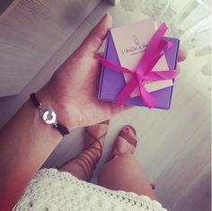 Chouette photo de @josephine_nab avec le bracelet anneaux entrelacés de L'Atelier d'Amaya! :)
