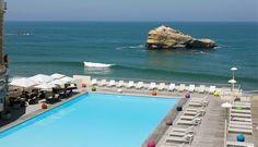 Le Sofitel Biarritz Le Miramar Thalassa sea & spa célèbre l'art de vivre du sud-ouest de la France.Cet hôtel de luxe de Biarritz, sur la côte basque, vous accueille pour un séjour d'exception en bord de mer : vue sur le golfe de Gascogne, spa, terrasses privées, piscine extérieure chauffée...      Les 126 chambres disposent d'un ......