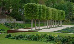 geskes.hack Landschaftsarchitekten Garden Pavers, Garden Hedges, Garden Pool, Garden Trees, Modern Landscaping, Backyard Landscaping, Formal Gardens, Outdoor Gardens, Dutch Gardens