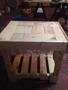 Pallet end table just finished.