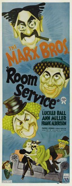 """ulrichgebert:  Der hübsch konstruierte, aber sehr sparsam produzierte Marx-Brothers-Film Room Service irritiert vor allem durch seinen beinahe völligen Verzicht auf Musiknummern. Das ist etwas unsinnig, weil es auch wieder eine """"Lets-put-on-a-Show""""-Geschichte ist und Lucille Ball und Ann Miller mitspielen, mit denen einige hübsche Musiknummern ja zumindest denkbar gewesen wären. Andererseits ist es natürlich müßig, zu bemängeln, daß an einem Marx-Brothers-Film etwas unsinnig wäre."""