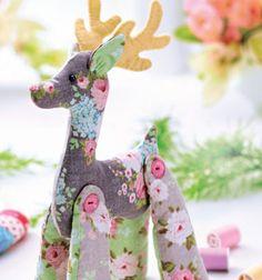 Tilda style reindeer christmas decoration // Tilda stílusú rénszarvasos karácsonyi dekoráció // Mindy -  creative craft ideas // #christmascrafts #christmasgifts #christmas #crafts #gifts #christmasdecor #diy #kreatívötletek #karácsony #csináldmagad #hobbi #kézműves