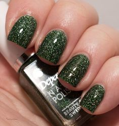 depend nail art