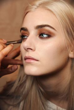 My new favorite color in the beauty department -- it's all about RUST makeup…
