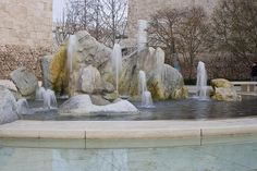 Getty Center water fountain, photograph by MOGua