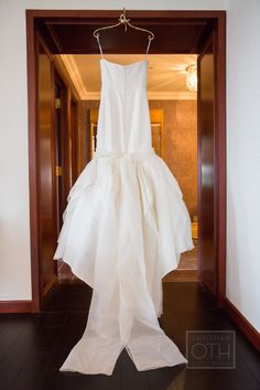 An elegant gown: http://www.stylemepretty.com/new-york-weddings/new-york-city/2015/02/25/elegant-fall-wedding-at-the-new-york-palace-hotel/ | Photography: Christian Oth - http://www.christianothstudio.com/