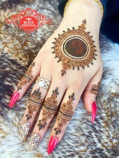 HHH Mehandi Design... Round Mehndi Design, Stylish Mehndi Designs, Mehndi Design Photos, Wedding Mehndi Designs, Beautiful Henna Designs, Latest Mehndi Designs, Designs Mehndi, Mehndi Images, Nail Designs