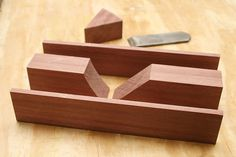 Making a Krenov Style Plane, might be good start for a shooting board plane. Japanese Woodworking Tools, Woodworking Bench For Sale, Woodworking Hand Planes, Woodworking Tool Cabinet, Woodworking Projects For Kids, Fine Woodworking, Woodworking Basics, Woodworking Workbench, Wood Projects